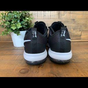 NWOB Nike Mens Air Max Typha 2 Training Shoes